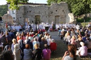 4 17.7.2019 1 2 sv. omša - Zoborský kláštor (foto D. Magula)